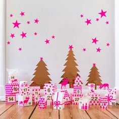 New in my onlineshop: My Advent calendar with wallstickers and cute boxes in neonpink an copper! Now available here: http://de.dawanda.com/shop/ohhhmhhh