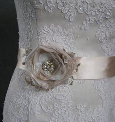 Bridal sash Wedding belt accessory burlap lace Champagne Beige Tan Gold ivory nude cream Vintage dress romantic sashe flower ribbon sash