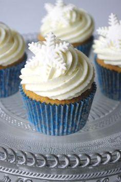 Cupcakes simples à la vanille, glacage beurre ET cream cheese