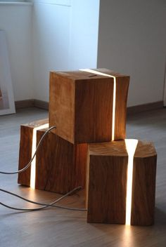 wood lamp: solid wood and epoxy resin. Home Lighting, Lighting Design, Rustic Lighting, Unique Lighting, Wood Furniture, Furniture Design, Diy Lampe, Wooden Lamp, Wood Resin