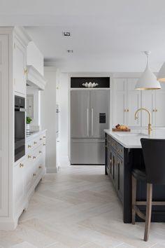 Home Decor Kitchen, Kitchen Interior, Kitchen Ideas, Ikea Kitchen, Kitchen Inspiration, Kitchen Designs, Luxury Kitchens, Home Kitchens, Bespoke Kitchens