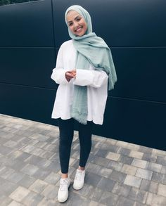 36 ideas fashion style hijab outfit for 2019 Modern Hijab Fashion, Hijab Fashion Inspiration, Muslim Fashion, Modest Fashion, Look Fashion, Trendy Fashion, Fashion Outfits, Classy Fashion, Party Fashion
