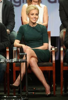 Amanda Schull Photos Photos - Actress Amanda Schull speaks onstage at the '12 Monkeys'' panel during the NBCUniversal Syfy portion of the 2014 Summer Television Critics Association at The Beverly Hilton Hotel on July 14, 2014 in Beverly Hills, California. - 2014 Summer TCA Tour: Day 7
