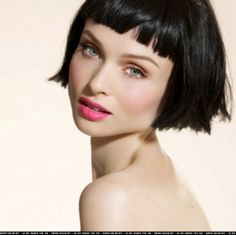 short bob and blunt bang... Really like this but not sure if I can do it with thin hair?