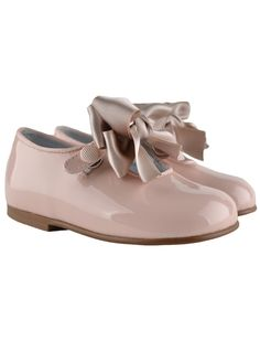 patent leather shoes with bow