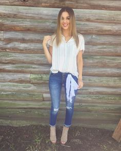 """Sadie Robertson on Instagram: """"cute & casual with this ootd thx to @wildbluedenim ! big photoshoot coming up this weekend in New York with all new wild blue things!! if you are excited comment a blue heart  <3 :-) 5.5.16"""""""