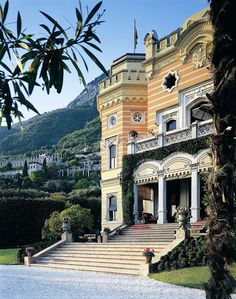 Places: The Grand Hotel Villa Feltrinelli, Italy | par {this is glamorous}