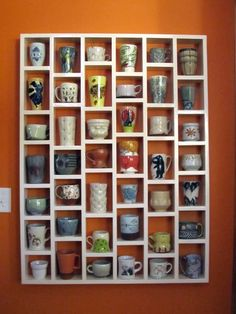 For the coffee lovers: display your awesome collection of mugs and tumblers with a DIY wall cupboard. Coffee Mug Display, Coffee Mug Holder, Coffee Cups, Tea Cup Display, Coffee Shop, Coffee Cup Storage, Coffee Lovers, Coffee Time, Coffee Coffee