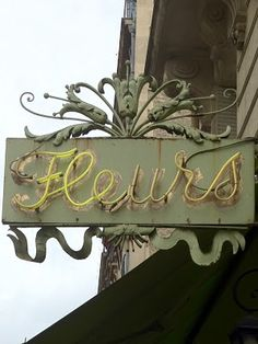 Cool Flower Shop Sign... Flower Shop Names, Flower Shop Decor, Flower Shop Design, Flower Shops, Design Shop, Flower Shop Interiors, Anime Flower, Florist Logo, Local Florist