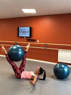Joseph Pilates, Le Pilates, Circulation Sanguine, Gym Equipment, Dance, Pelvic Floor, Muscle Fitness, Dancing, Workout Equipment