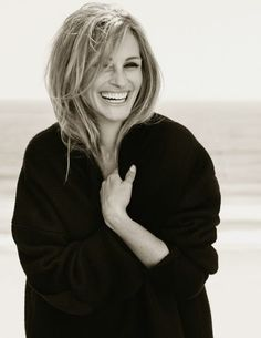 Photos: Julia Roberts In New Photo Session For Calzedonia - AboutJulia.Com