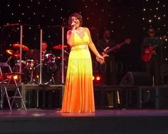 """Jane McDonald in concert Congress Theatre Eastbourne 2010     Fill Your Autoresponder Everytime with the """"Full Meal Deal"""""""