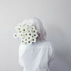 Flowers White Aesthetic Ideas For 2019 White Tumblr, Pink Lila, Images Esthétiques, Aesthetic Colors, Aesthetic Grunge, Aesthetic Writing, Aesthetic Yellow, Aesthetic People, Music Aesthetic