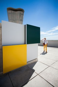 Daniel Buren | Défini, Fini, Infini installation at the MaMo