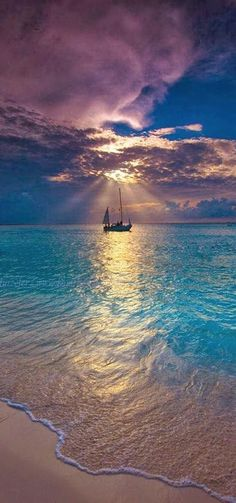 Makalawena Beach ~ Kailua Kona, Hawaii - I want to try sailing some day! Places To Travel, Places To Visit, Travel Destinations, Belle Photo, Dream Vacations, Beautiful Beaches, Beautiful World, Wonders Of The World, Sailing