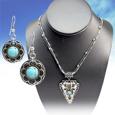 https://www.facebook.com/starstruckcowgirlshop/photos/a.215976895217.171745.193962805217/10153669210365218/?type=3&theater