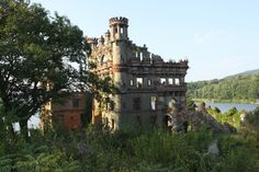 Bannerman Castle, Fishkill, NY - (1½hrs from NYC by Metro-North)  Scottish immigrant Francis Bannerman VI made his fortune by selling surplus military stock purchased at the end of the Civil War; in 1901, he designed a massive arsenal warehouse on the Hudson River's Pollepel Island to store his excess goods and equipment. The structure has decayed beautifully over the last century, and you can still see the picturesque ruins via a Hudson River Adventures tour ...