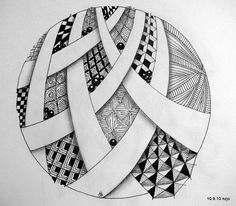 Love the circle shape and negative space ribbonsZentangle pattern. Love the circle shape and negative space ribbons Tangle Doodle, Tangle Art, Zen Doodle, Zentangle Drawings, Doodles Zentangles, Doodle Drawings, Doodle Patterns, Zentangle Patterns, Doodle Art Journals