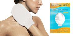 GUANTO PULIZIA VISO  Guanto realizzato in microfibra. La manopola svolge un eccellente effetto struccante solo con l'acqua, senza l'utilizzo di detergenti chimici. Utilizzare, asciutto o inumidito con acqua tiepida, sul viso, compresi gli occhi e le labbra: la microfibra cattura ogni impurità, effettua una profonda pulizia dei pori e rende il vostro viso luminoso e perfettamente pulito.