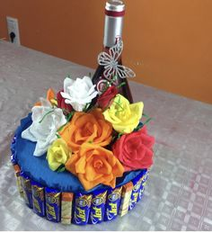 Aprende a elaborar esta sencilla idea a través de nuestro canal de YouTube crearydecorar Cake, Ideas, Decor, Someone Like You, Pie Cake, Decoration, Decorating, Cakes, Dekorasyon