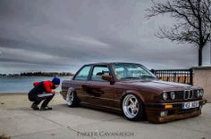 BMW E30 3 series slammed