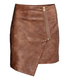 Fabulous Find of the Week: H&M Faux Leather Skirt - College Fashion Brown Skirts, Short Skirts, Love Fashion, Winter Fashion, Fashion Art, Fashion Design, Wrap Around Skirt, Types Of Skirts, Faux Leather Skirt