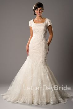 Mermaid/Fit & Flare (Wedding) : Esperanza. Wedding dress