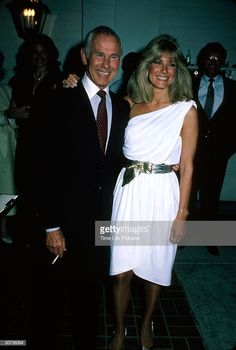 News Photo : Television personality Johnny Carson and wife. Here's Johnny, Johnny Carson, Comedians, Madness, Personality, White Dress, News, Tv, Pretty