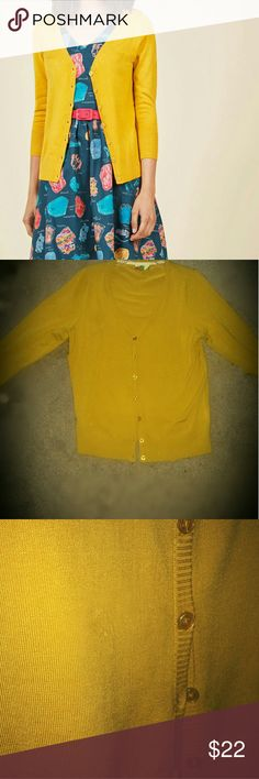 "ModCloth Mustard Yellow Plus Size Cardigan I included the pic from ModCloth just so you can see how lovely it hangs. This will dwarf you if you're under 5'4. I'm just over 5'3 & this was like a duster on me. I would say you should be a minimum of 5 '6 to pull this off to look anything like it does on the model. It's a stretchy knit, so it fits many bust sizes. I'd say 36c-40D+. I have 40 D and it's still has room. Bust 18-22"" flat. Length 25"" unstretched. Worn once tho came with that off…"