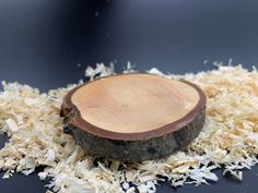 Ashwood tree disc oiled with bark, can be used as a coaster sustainable Austrian wood Etsy, Wood, Handmade, Products, Craft Gifts, Hand Made, Woodwind Instrument, Timber Wood