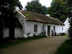 Irish Cottage.  Love the whitewash.  The simplicity.  The gravel drive.  Just perfect.