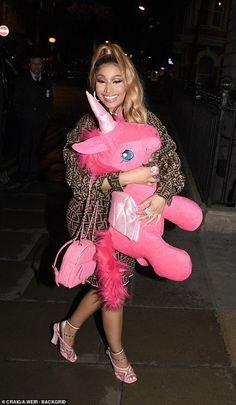 Nicki Minaj cradles a GIANT pink unicorn on night out in London Daily Mail Online Nicki Minaji, Nicki Minaj Barbie, Kevin Gates, Lil Durk, Lil Wayne, Cardi B, Chris Brown, Jay Z, Nicki Minaj Quotes