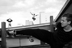 Autor: HYNEK GLOS, Euro; ze série: Členové parkourového týmu IN MOTION, Praha, 2015; kategorie sport, 2. cena