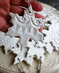 pretty snowflakes - could use fimo clay Clay Christmas Decorations, Christmas Projects, Holiday Crafts, Holiday Fun, Christmas Ornaments, Christmas Snowflakes, Noel Christmas, Winter Christmas, All Things Christmas