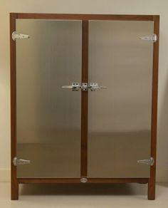 Retro ice box style fridge freezer by robey 39 s for Lg arredamenti