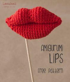 Huckleberry Love: 12 Free Valentines Day Crochet Patterns ~ free pattern via Lanukas