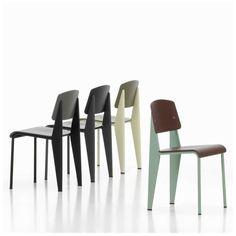 De Vitra Standard SP Chair Stoel, ontworpen door ingenieur en ontwerper #Jean #Prouvé, is een regelrechte #klassieker die al ruim 60 jaar in productie is. Stoelen worden het meest belast op de achterpoten, die het gewicht van het bovenlichaam van de persoon op de stoel dragen. Prouvé integreerde dit eenvoudige gegeven in zijn #ontwerp voor de #Standard-stoel.  #Vitra #Standard #SP Chair Stoel   #MisterDesign