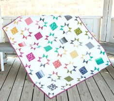 Free Quilt Pattern Using Layer Cake Http Blogpatsloancom Big Block Quilts Using Layer Cakes Quilt Blocks Using Layer Cakes Quilts With Layer Cakes