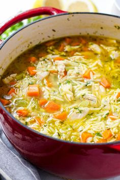 One Pot Turkey Orzo Soup! This easy vegetable turkey orzo soup uses leftover Thanksgiving turkey. It's easy, delicious, and made in one pot Thanksgiving Mac And Cheese, Thanksgiving Turkey, Vegetable Soup Recipes, Chicken Recipes, Sundried Tomato Pesto, Orzo Soup, Turkey Glaze, Wild Rice Soup, Turkey Soup