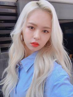 e:u icons — e:u fansite icons Kpop Girl Groups, Korean Girl Groups, Kpop Girls, Comeback Stage, Kpop Rappers, Loona Kim Lip, Kpop Hair, Yuehua Entertainment, Mamamoo