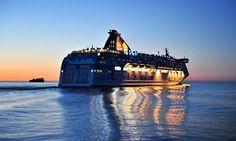 Groupon - Östersjön: 23h kryssning för upp till fyra personer med underhållning på Silja Lines Galaxy (spara 90%) i Stockholm. Groupons pris: 49 kr