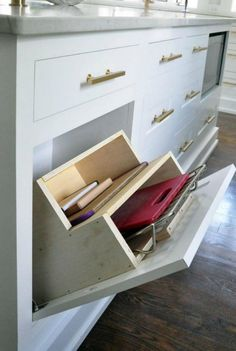 21 Organization and Storage Ideas for Small Spaces https://www.goodnewsarchitecture.com/2018/05/01/21-organization-and-storage-ideas-for-small-spaces/