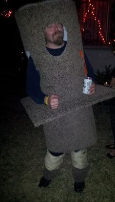 Scratching post costume to attract the girls in sexy cat costumes. #Halloween
