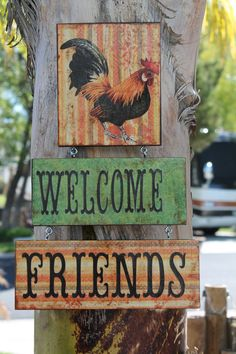 Use mixed media for other signs Rooster Lover Sign.Welcome Friends. Rooster Kitchen Decor, Rooster Decor, Arte Do Galo, Decoupage, Chicken Bird, Rooster Painting, Pop Art Portraits, Chickens And Roosters, Coq
