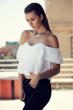 White Off Shoulder Summer Top, Top, off shoulder tops white tops sexy, Casual Passion For Fashion, Love Fashion, Fashion Beauty, Fashion Outfits, City Fashion, White Off Shoulder Top, How To Wear Off Shoulder Top, Cozy Winter Outfits, Summer Outfits