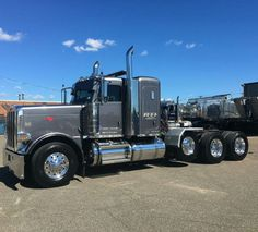 Custom Peterbilt Conventional