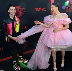 Millie Bobby Brown and Noah Schnapp Stranger Things Quote, Bobby Brown Stranger Things, Stranger Things Netflix, Celebrity Casual Outfits, Bff Goals, Millie Bobby Brown, My Girl, Actresses, Noah Mills