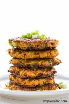 Sweet Potato Quinoa Fritters -- all you need is just 5 ingredients | simplyquinoa.com