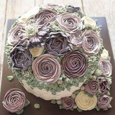 Have a good day, people! 💜 . #LADYCakeShop WA 09877560367 🌹🌸🌼🍃 . . . . #flowercakejakarta #cakejakarta #jualcakejakarta #onlinecakejakarta #birthdaycakejakarta #kueultahjakarta #customcakejakarta #cakeultahjakarta #sgbakes