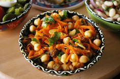 zadanie - gotowanie: Marokańska sałatka z cieciorki.
